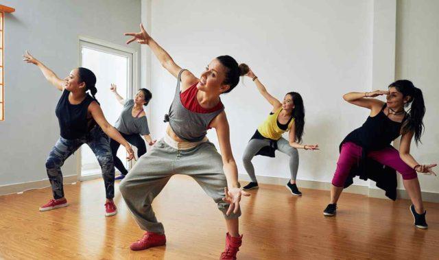 https://jhalakdanceacademy.com/wp-content/uploads/2019/04/inner_image_dance_02-1-640x379.jpg