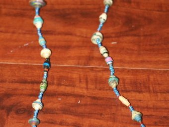 1 Blue Beaded Necklace